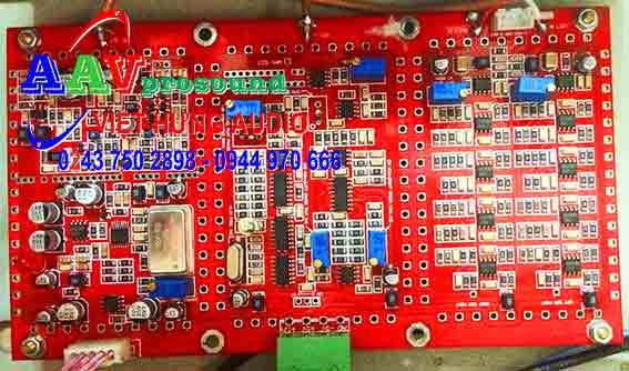 Hình ảnh vi điều khiển  hiện đại của máy phát sóng FM AAV-VN2050