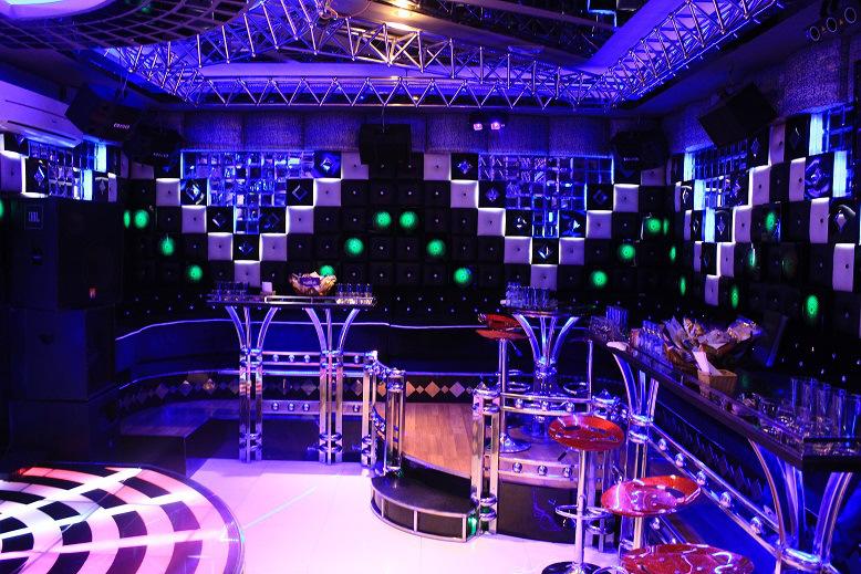 Nên chọn vang số hay Ampli cho dàn karaoke