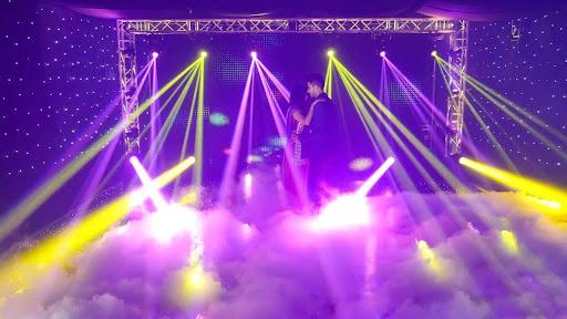 Tìm hiểu về máy tạo khói trong hệ thống ánh sáng sân khấu