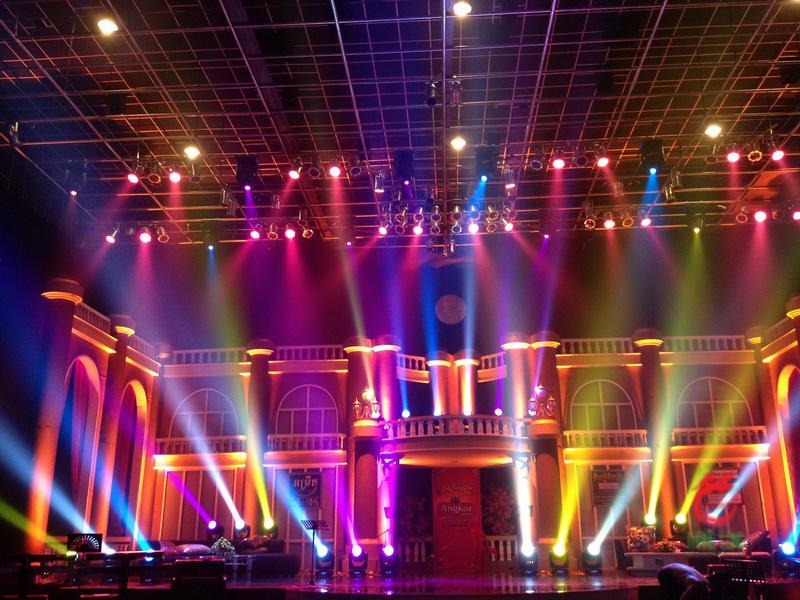 Tiêu chuẩn lắp đặt đèn ánh sáng sân khấu biểu diễn chuyên nghiệp